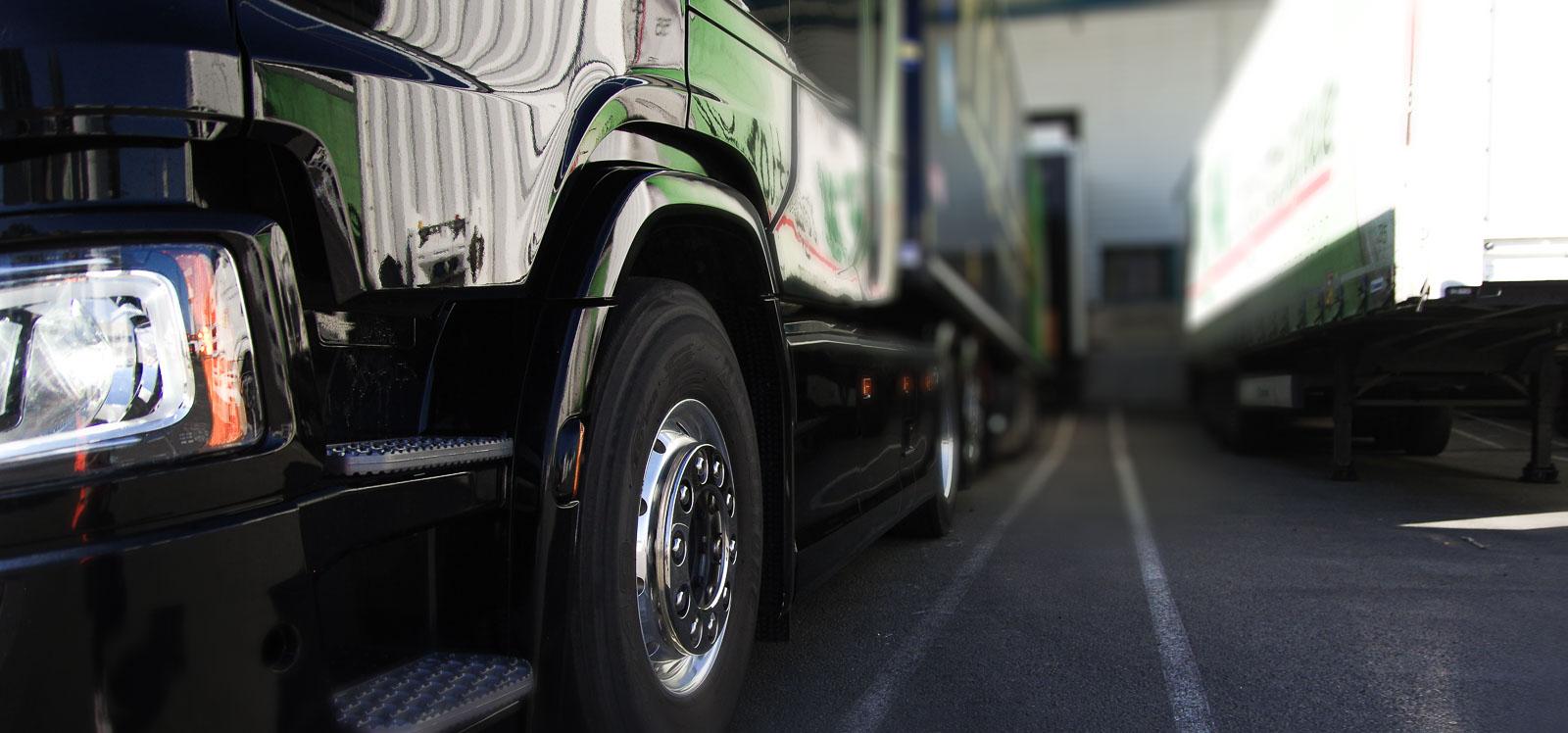Scania à quai